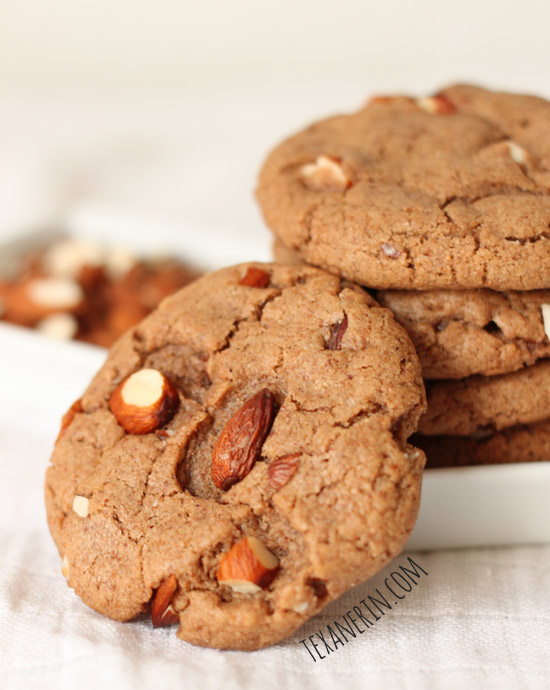 Soft and chewy maple almond butter cookies (100% whole grain, dairy-free) | texanerin.com