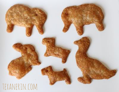 Homemade 100% Whole Grain Cheese Crackers - use cookie cutters to make fun shapes! | texanerin.com