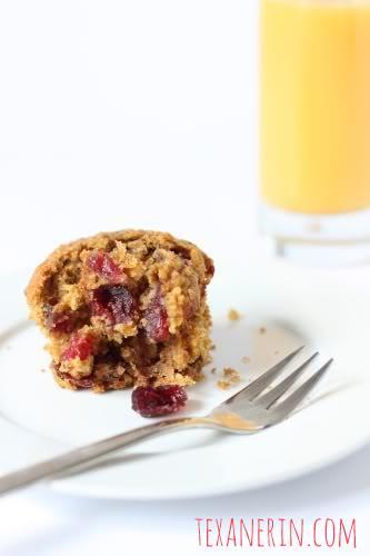 100% Whole Grain Cranberry Orange Oat Muffins | texanerin.com