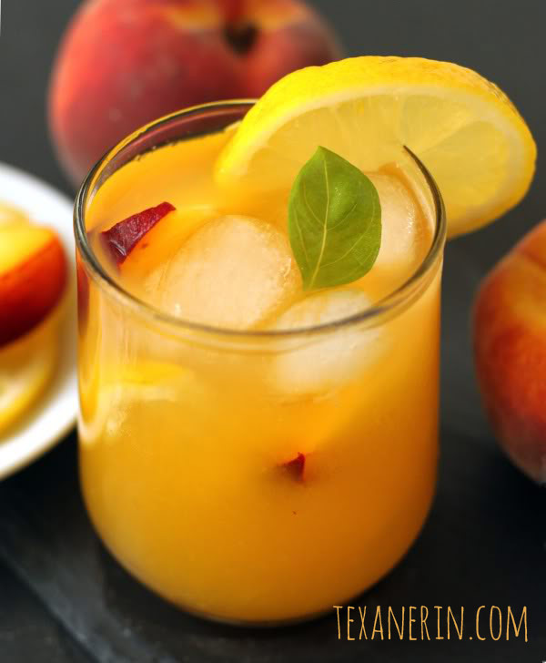 Fresh Peach Lemonade - Honey Sweetened | texanerin.com