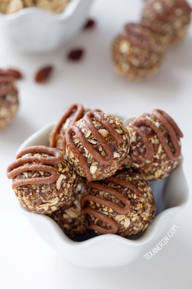 Cinnamon Raisin Oatmeal Cookie Balls (naturally vegan, gluten-free, 100% whole grain and vegan – please click through to the recipe to see the dietary-friendly options)