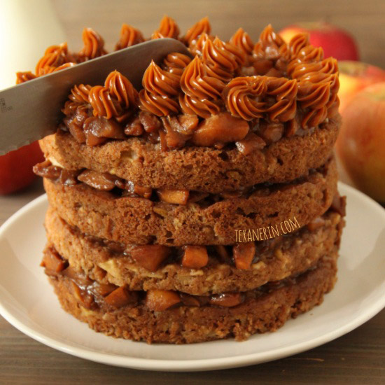 Apple Blondie Cake – Filled with cooked apples, this 100% whole grain apple blondie cake is a fuss free delicious layer cake! | texanerin.com