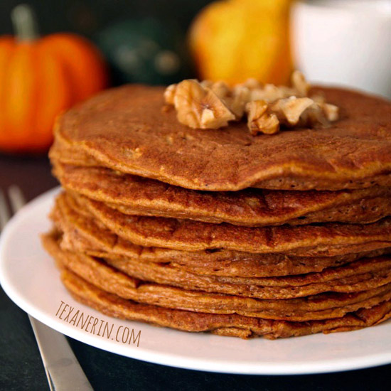 Pumpkin Protein Pancakes - 100% whole grain and full of good for you ingredients! | texanerin.com