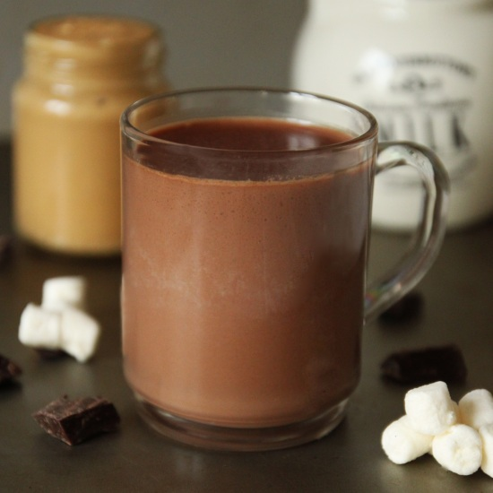 Peanut Butter Hot Chocolate - Even He Can Do It! | texanerin.com