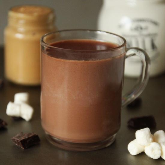 Peanut Butter Hot Chocolate - Even He Can Do It! | texanerin.com