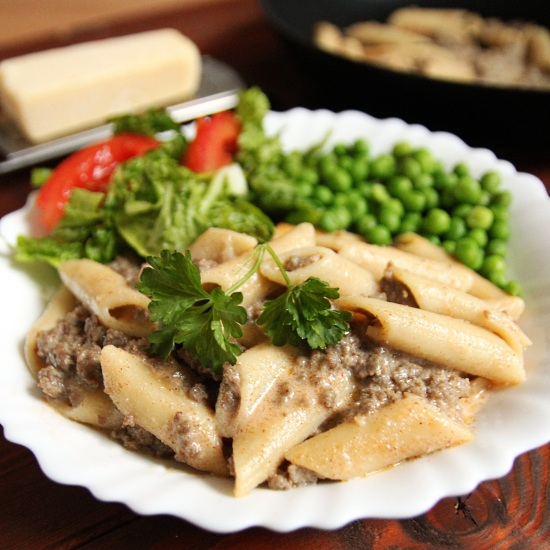 Homemade Hamburger Helper: Cheeseburger Macaroni | texanerin.com