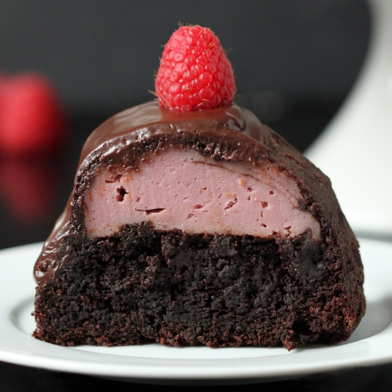 100% Whole Grain Chocolate Raspberry Cheesecake Bundt Cake ...