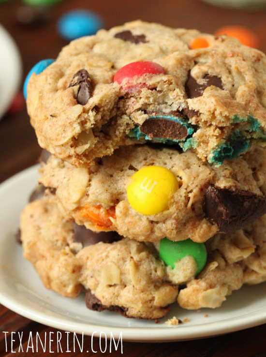 100% Whole Wheat M&M Oatmeal Cookies | texanerin.com