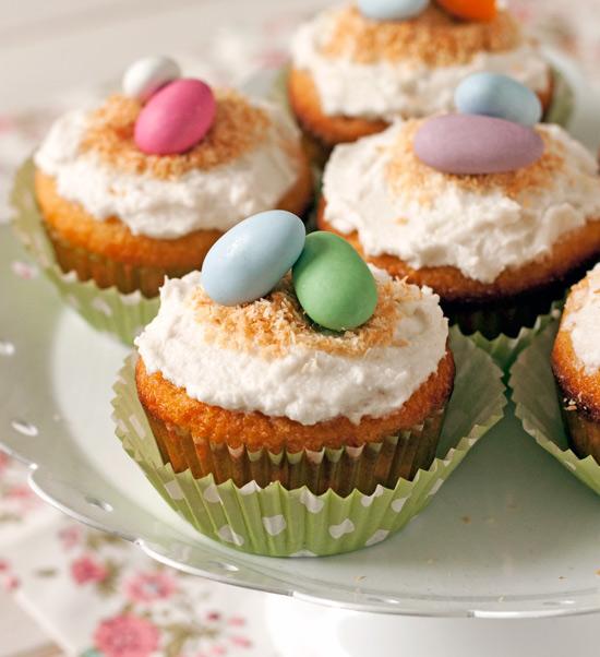 Grain-free Coconut Cupcakes | texanerin.com