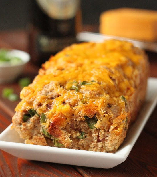 100% Whole Grain Cheddar Bacon Beer Bread | texanerin.com