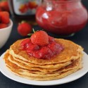 honey_sweetened_strawberry_sauce_2