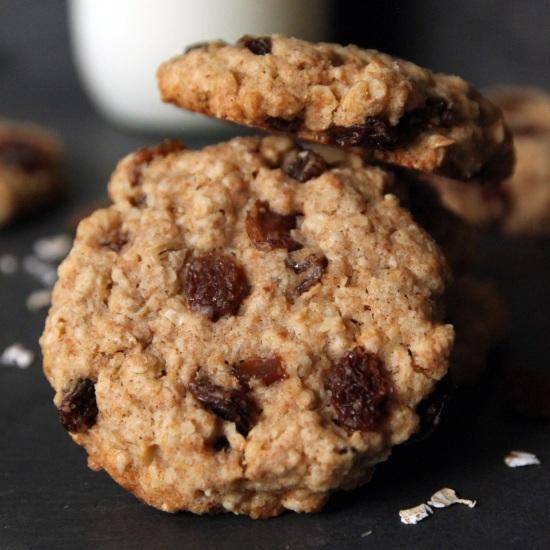 100% Whole Grain Chewy Oatmeal Raisin Cookies