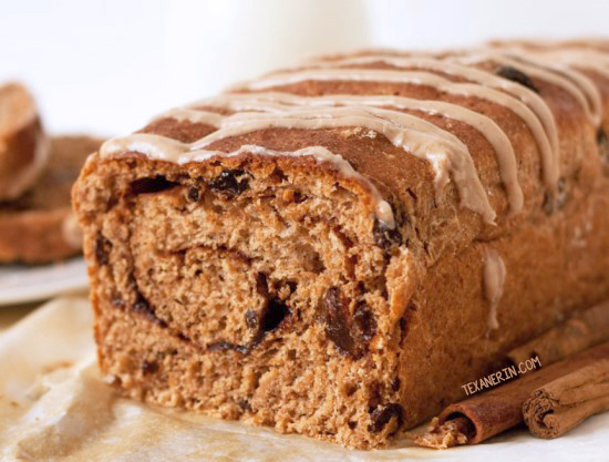 Cinnamon Raisin Bread - 100% whole spelt and pretty simple! Also just happens to be vegan and dairy-free | texanerin.com