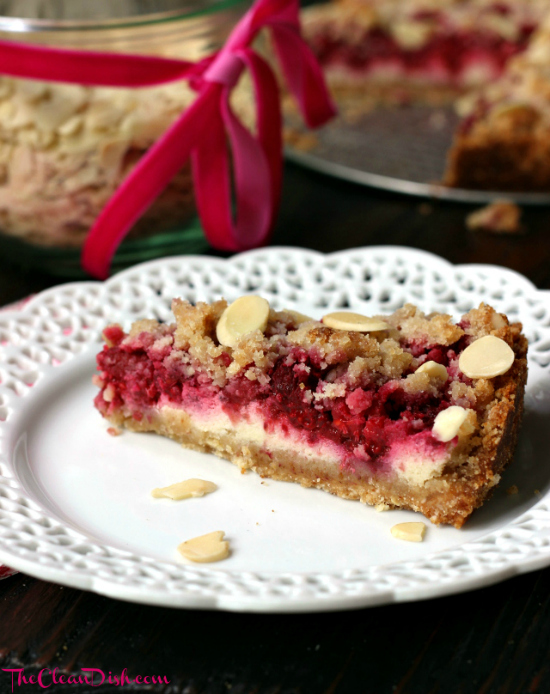 Grain-free Raspberry Sour Cream Crumble Cake | texanerin.com