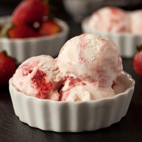 strawberry_frozen_yogurt__FI.jpg