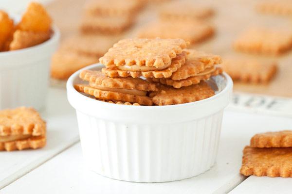 Gluten-free Peanut Butter Cheese Cracker Sandwiches