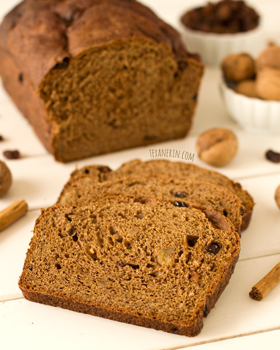 This alpine wheat bread is 100% whole grain and dairy-free! | texanerin.com