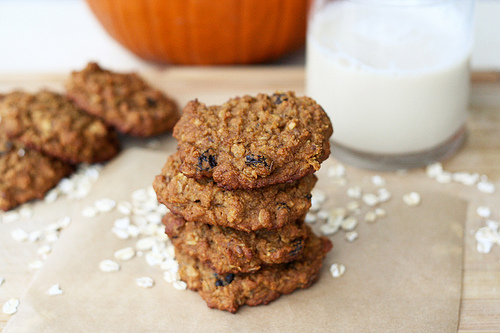 Chewy pumpkin oatmeal raisin cookies