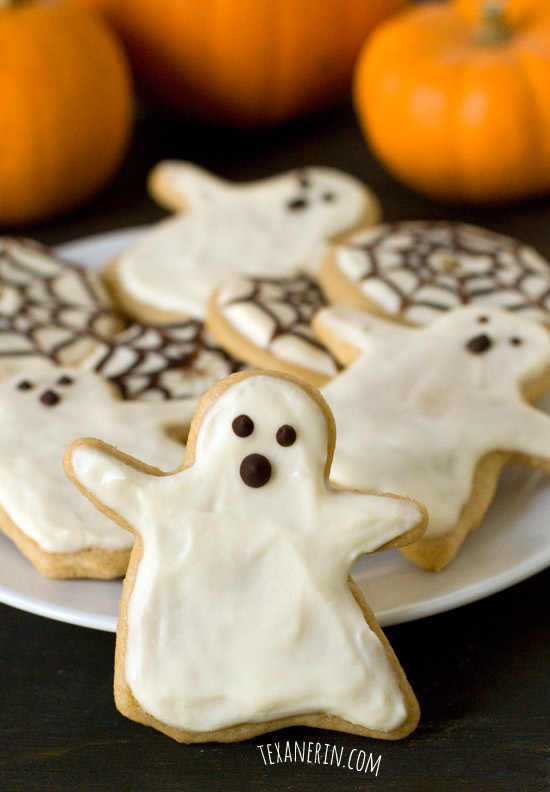 Healthier Halloween sugar cookies with cream cheese frosting – so soft and chewy, nobody will know these are 100% whole grain! | texanerin.com