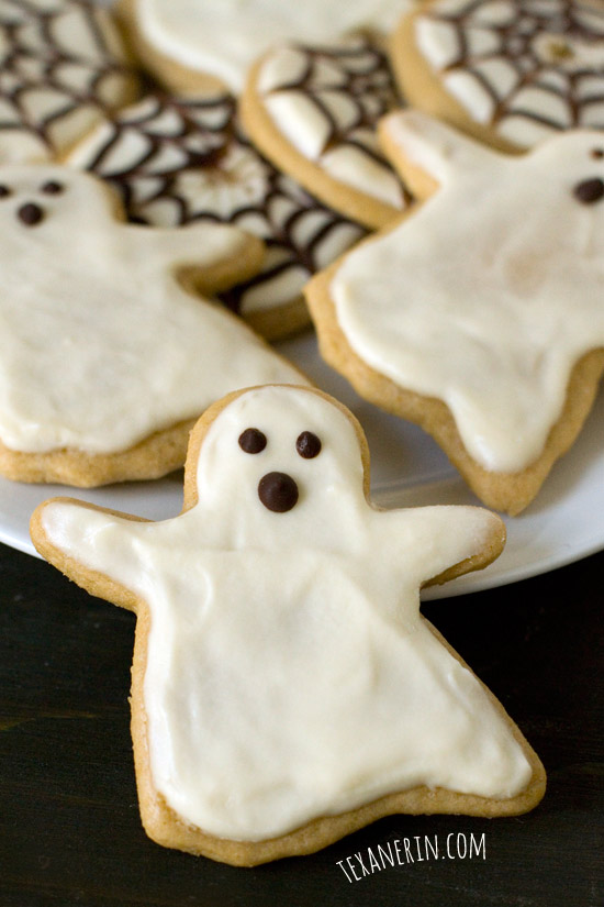 Healthier Halloween Sugar Cookies – just as delicious as the more traditional kind! | texanerin.com
