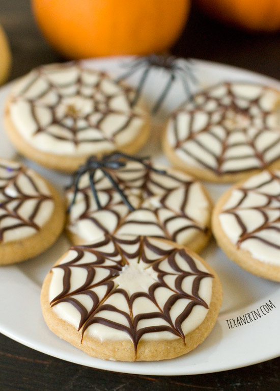 Healthier Halloween Sugar Cookies – unbelievably tasty! | texanerin.com