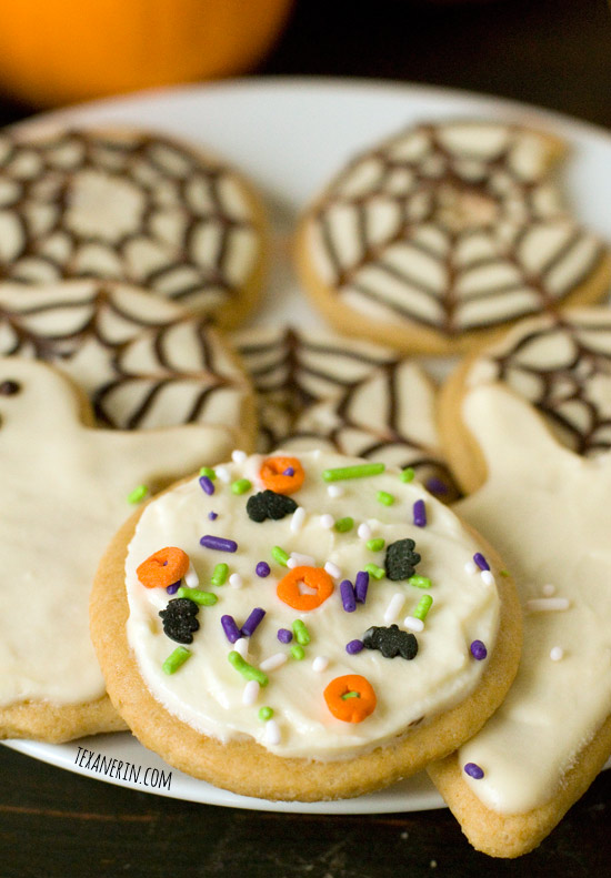 Healthier Halloween Sugar Cookies – super soft and chewy! | texanerin.com