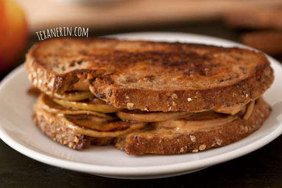 Peanut butter apple grilled sandwich | texanerin.com
