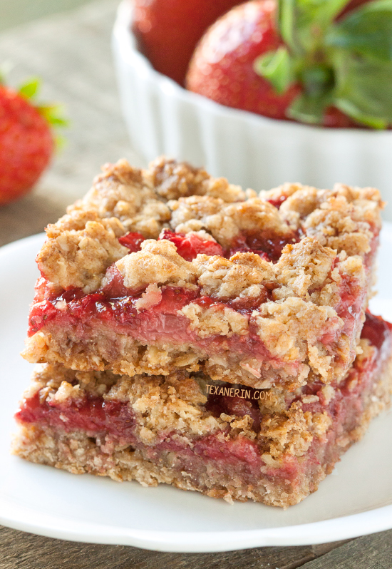 Strawberry Oat Bars – strawberry jam and strawberries are sandwiched between a buttery, whole grain, streusel-like mix! With a dairy-free and vegan option. Can also be made with all-purpose flour. Please click through to the recipe to see the dietary-friendly options.