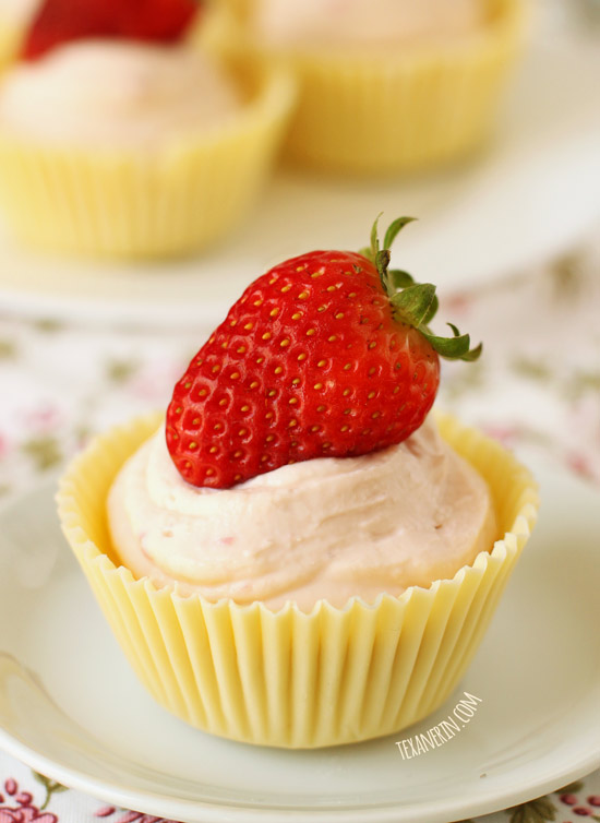 Quick and Easy Strawberry Cheesecake Mousse in White Chocolate Cups