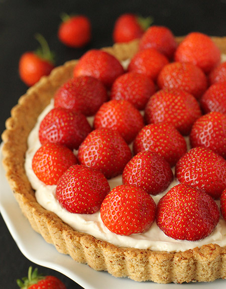 100% Whole Grain Strawberry Almond Mascarpone Tart