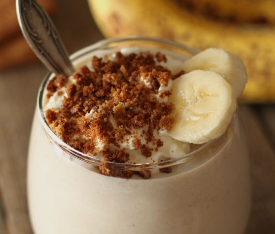 Healthy Banana Cream Pie Milkshake