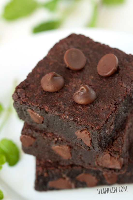 These grain-free, gluten-free and 100% whole grain mint chocolate brownies are ultra fudgy, minty, and easy to make!