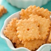 grainfree-cheddar-crackers-1