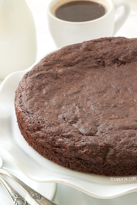 This healthier kladdkaka (Swedish sticky chocolate cake) is grain-free, gluten-free, 100% whole grain and dairy-free!