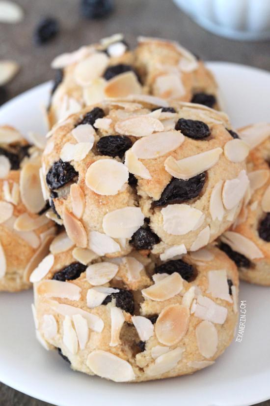 Paleo Blueberry Scones {gluten-free, grain-free, dairy-free, naturally sweetened}