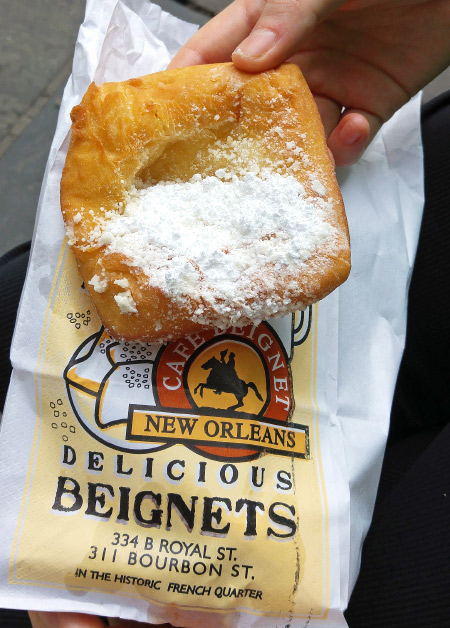 New Orleans: What and Where to Eat – Cafe Beignet