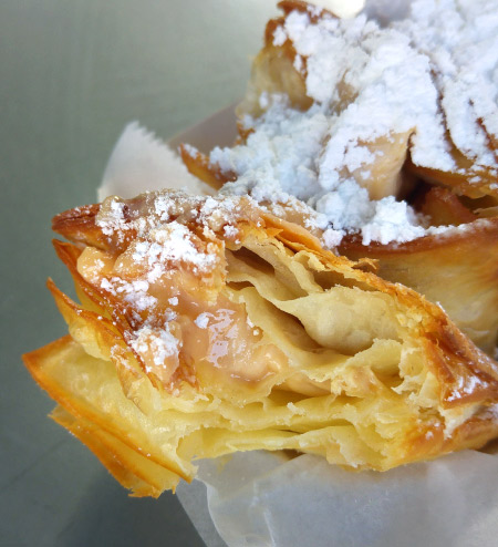 New Orleans: What and Where to Eat – Praline Beignets at Loretta's Authentic Pralines