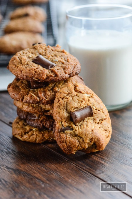 Cashew Coconut Chocolate Chip Cookies