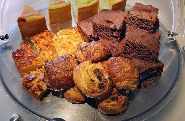 Hotel OTTO – Complimentary Cake and Coffee