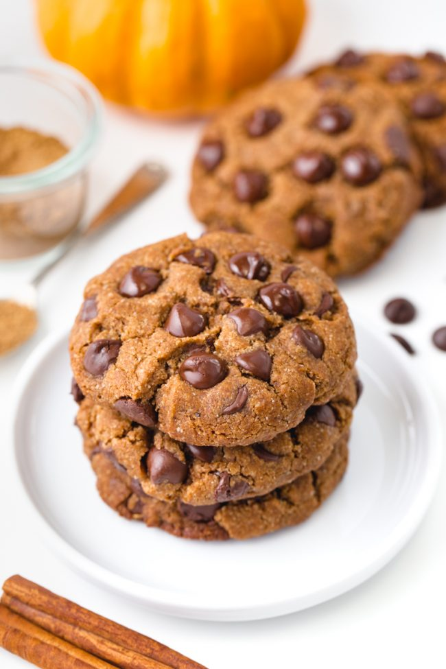 Chewy pumpkin spice cookies