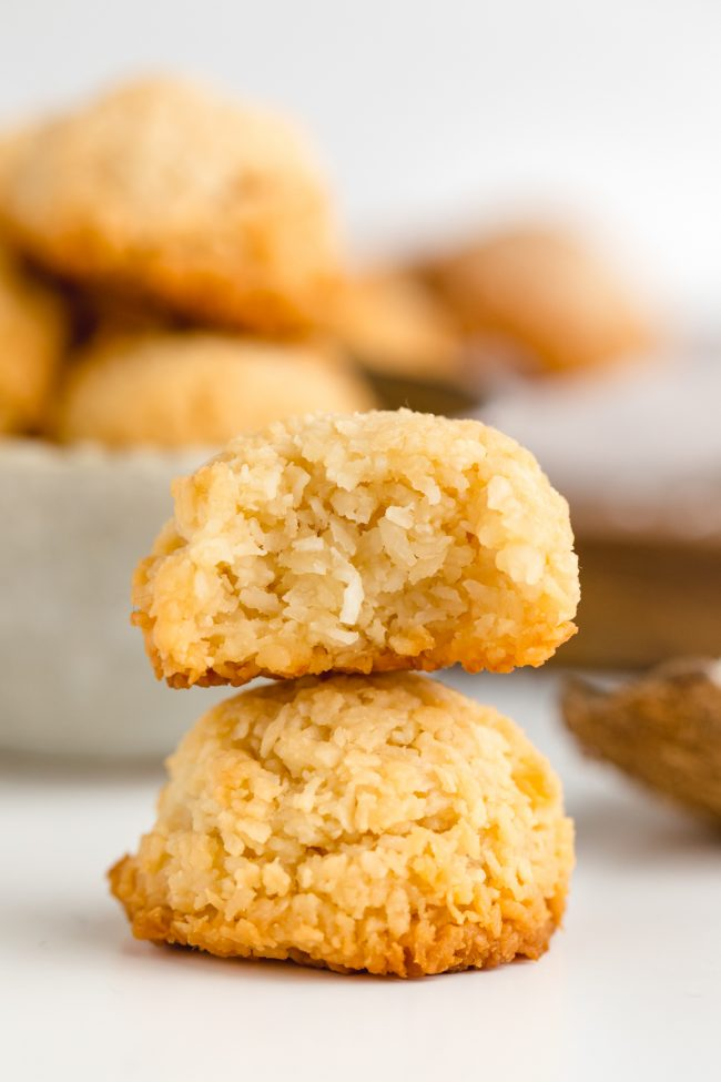 Amazing vegan coconut macaroons that are chewy on the inside and crisp on the outside! They taste like regular macaroons but are paleo and maple-sweetened.