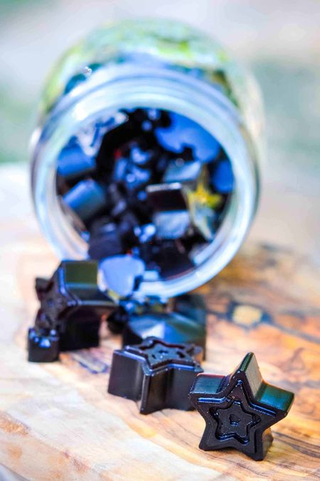Recipes for kids to make - elderberry gummies