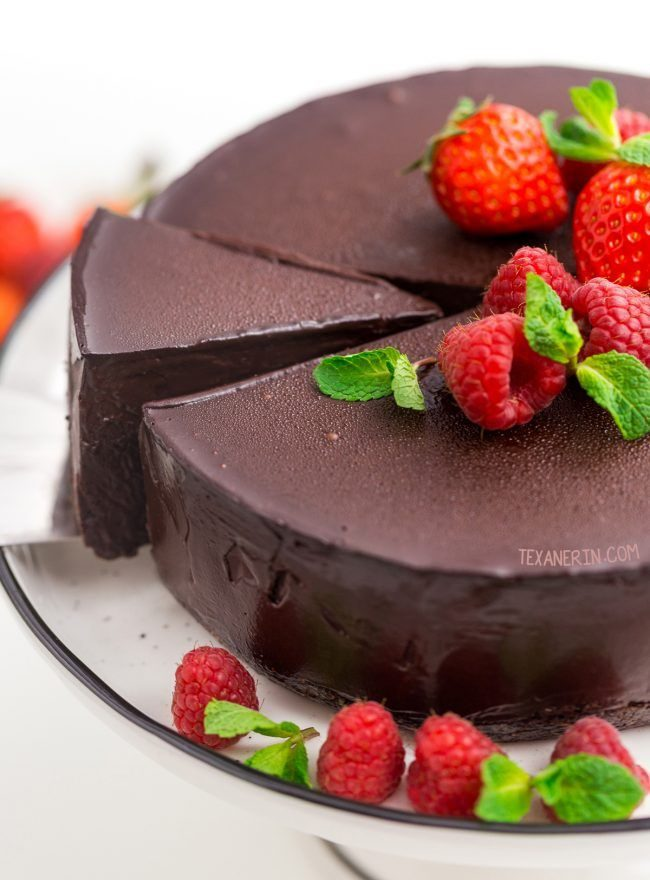 Paleo Desserts - Vegan Chocolate Cheesecake